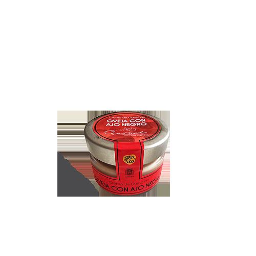 Crema de queso de Oncala con ajo negro